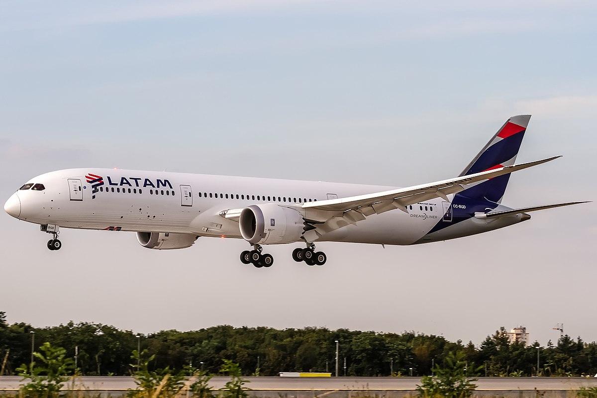 Gremios aeronáuticos anunciaron un paro total de Latam Argentina
