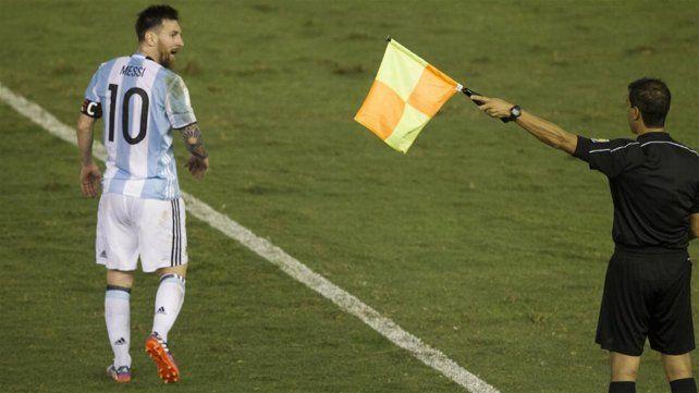 Messi suspendido por cuatro partidos por comportamiento ante Chile