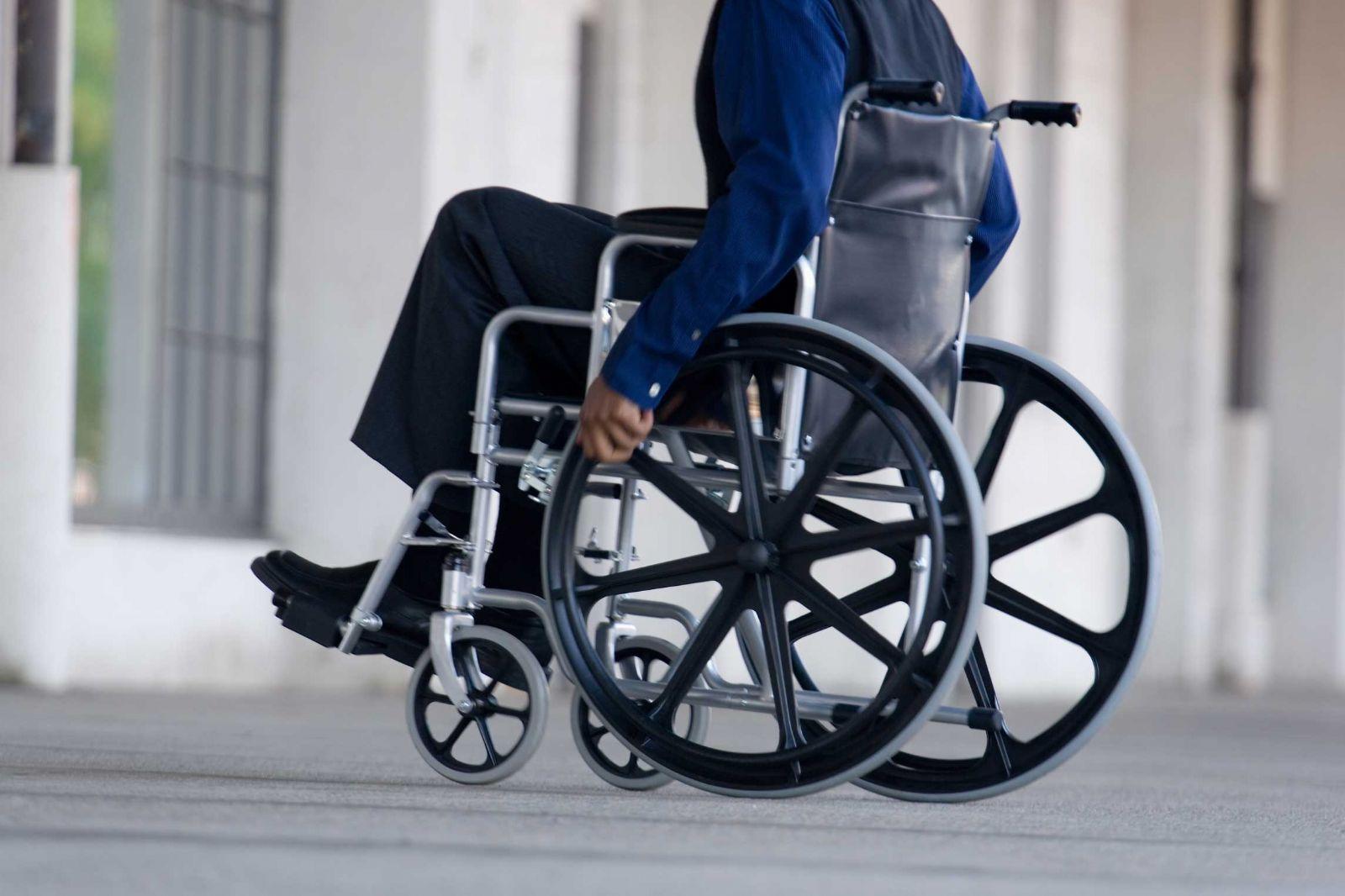 Gobierno admite error en quita de pensiones y promete reestablecerlas