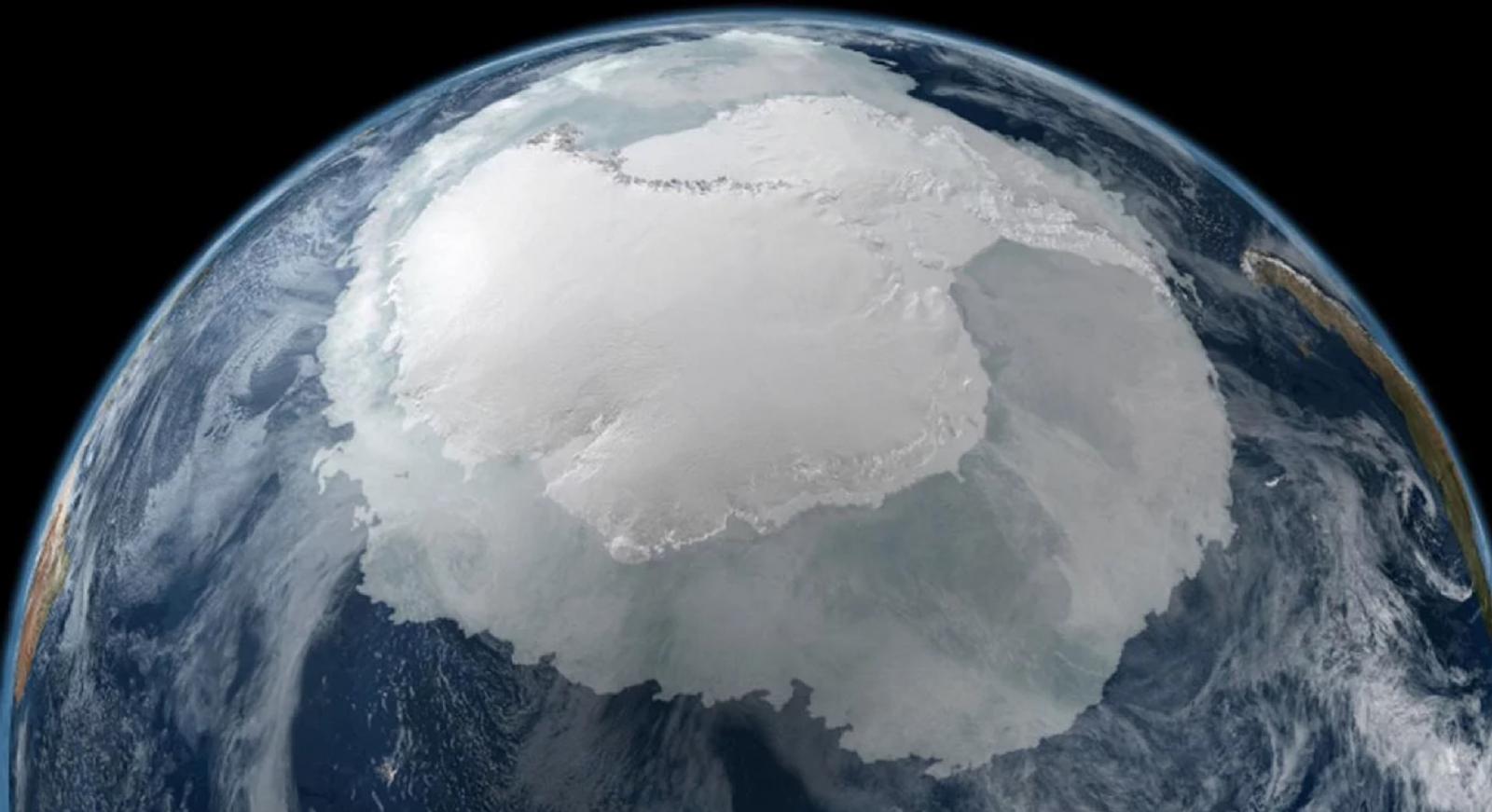 Encuentran casi 100 nuevos volcanes en la Antártida