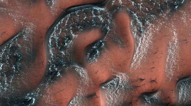 Mirá cómo se forma la nieve en Marte
