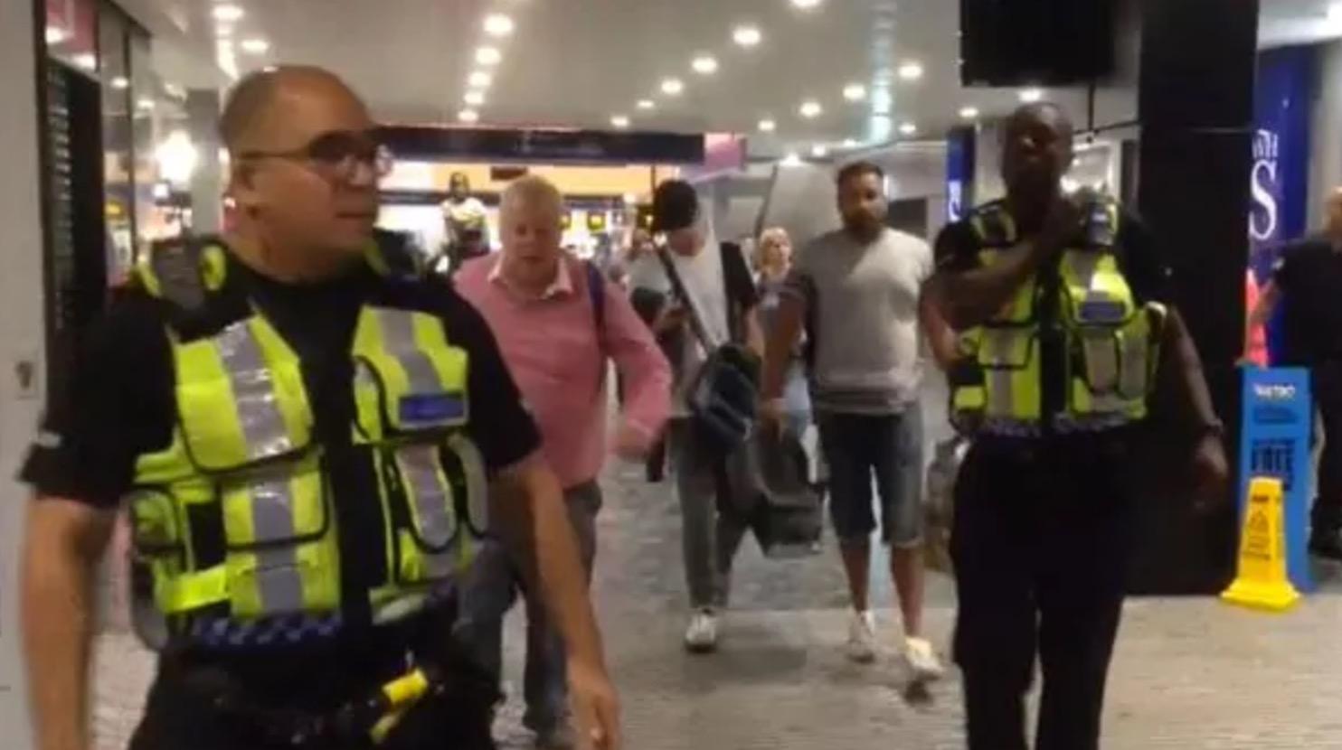 Evacuan tren en Londres por pequeña explosión
