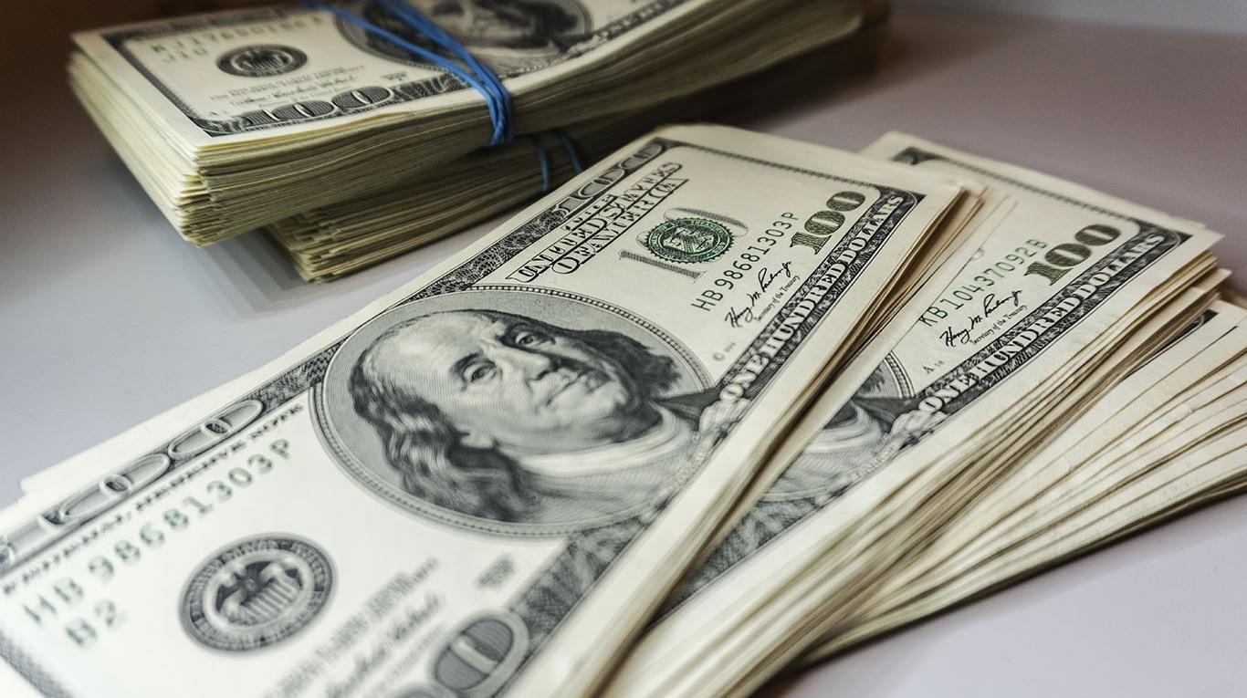 El dólar cerró la semana por arriba de los $19