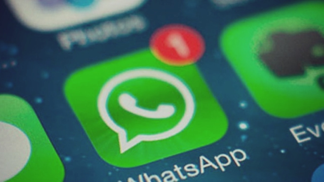 Siri provoca que cualquiera escuche tus audios de WhatsApp