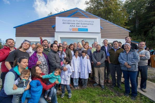 Inauguraron una nueva escuela bautizada