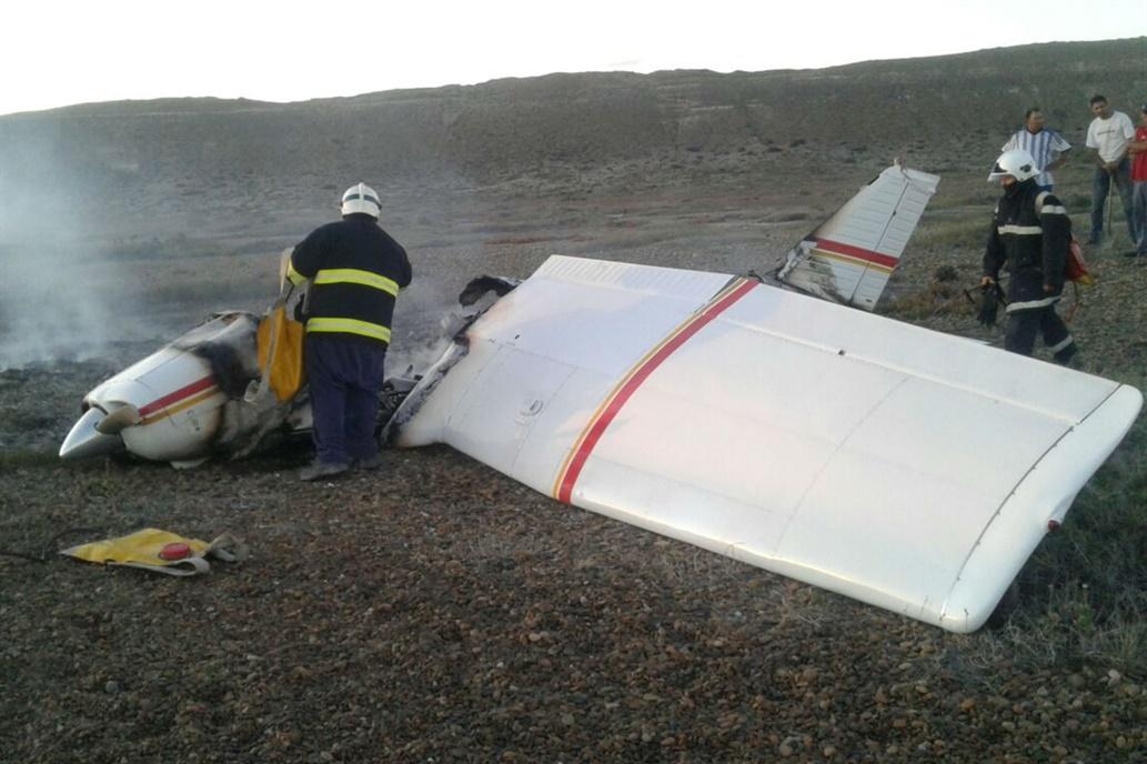 Cayó una avioneta y dos personas murieron calcinadas adentro