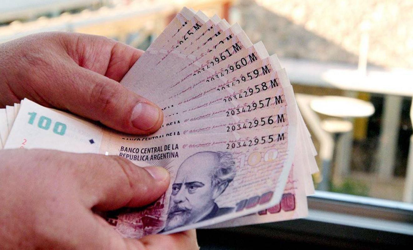 El dólar subió a $60,24 pese a fuertes ventas del BCRA