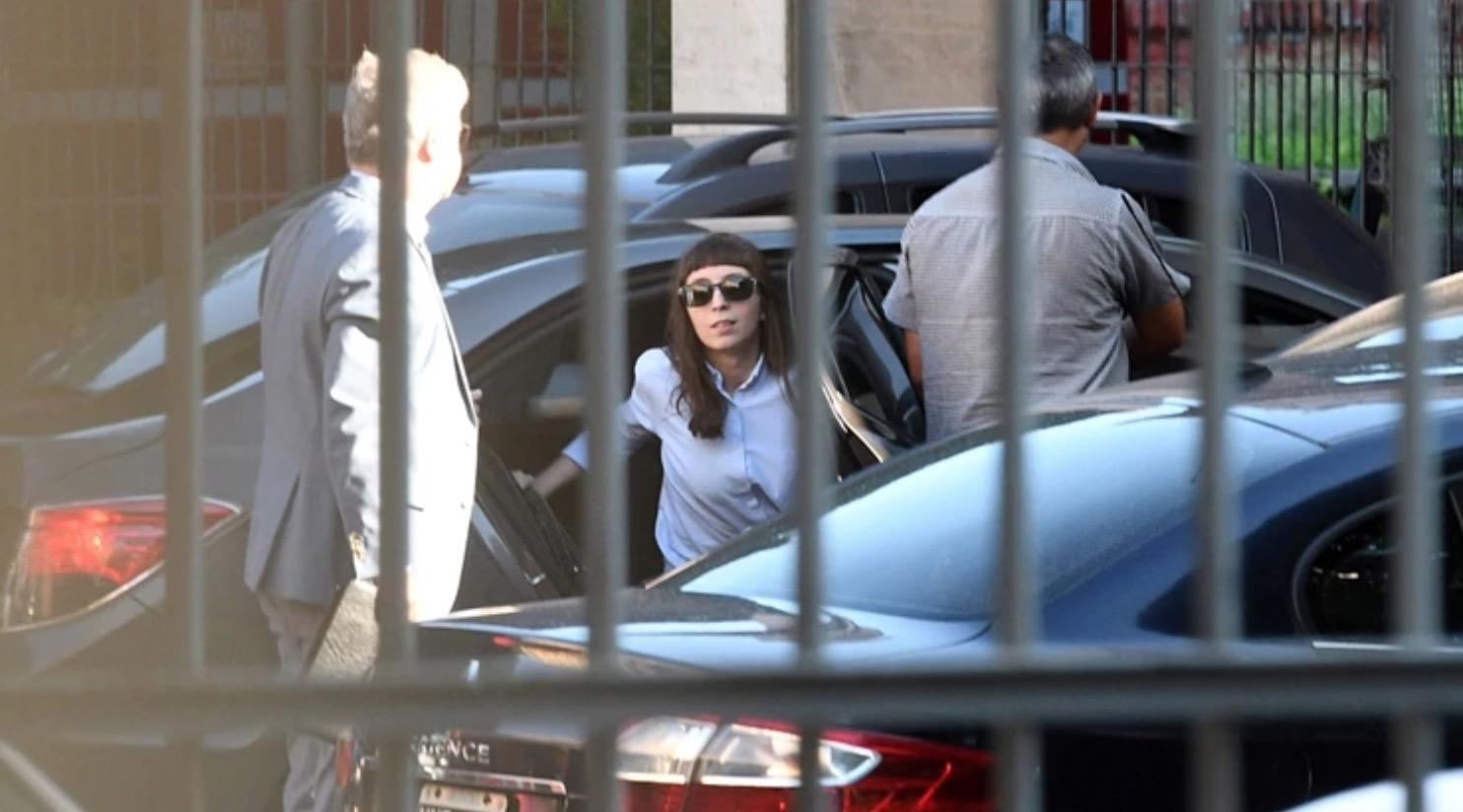 Florencia Kirchner tiene nueve días para regresar al país