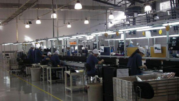 Gobierno admitió baja en la industria local durante todo el primer trimestre de 2017