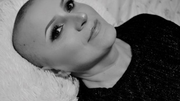 Maquilló a su mamá con cáncer y se viralizó el tutorial