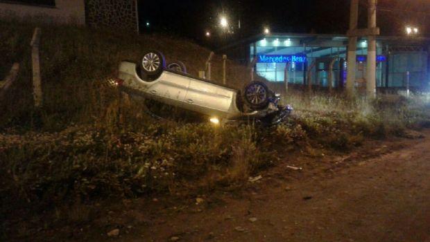 Ushuaia: Conductor borracho volcó y casi provoca una tragedia