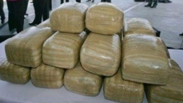 Detienen a tres sujetos con 8 kilos de marihuana en Río Grande
