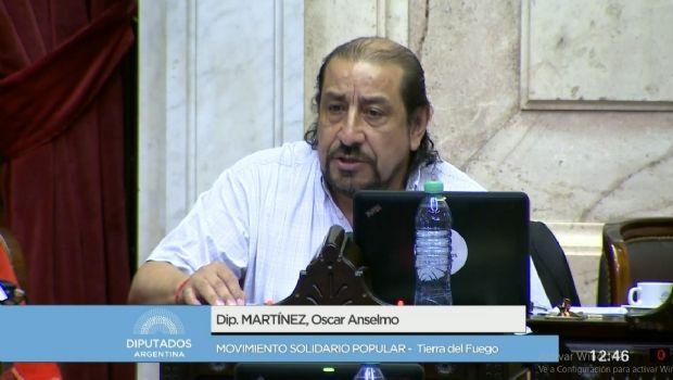 El diputado Martínez cruzó a Marcos Peña