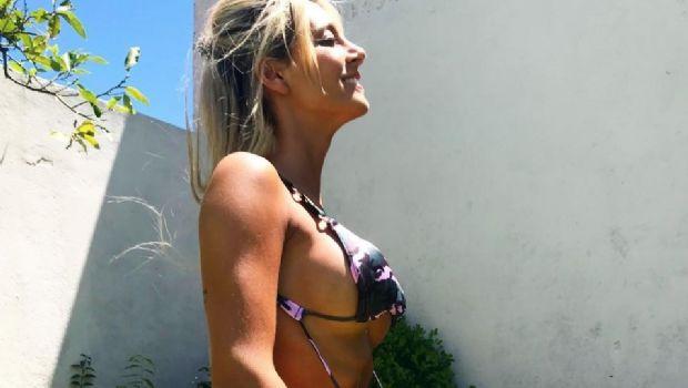 Sol Pérez recibió la temporada de calor en la piscina de su casa