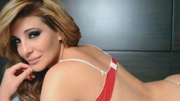 """Charlotte Caniggia abusó del Photoshop con una cintura """"XS"""""""