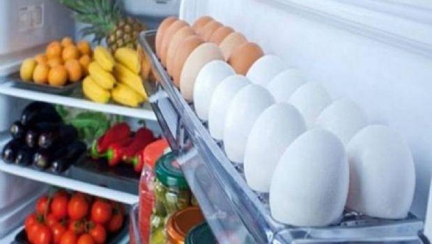 ¿Por qué no se deben guardar los huevos en la puerta de la heladera?