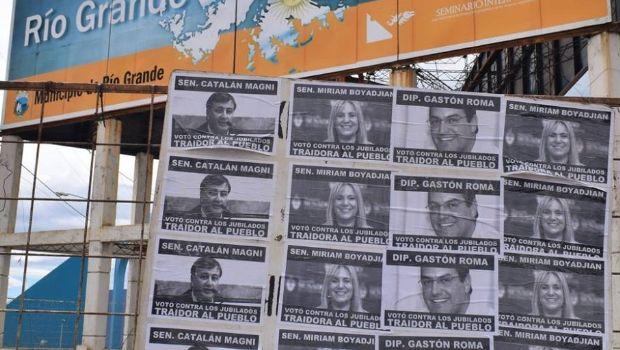 Escrache en Río Grande a diputados y senadores