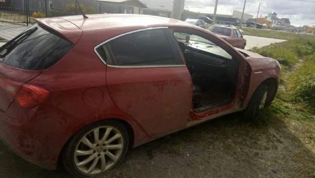 Otra vez robaron la puerta de un automóvil
