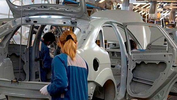 ¿Qué hay de verdad sobre supuesto plan del Gobierno de radicar automotrices en TDF?