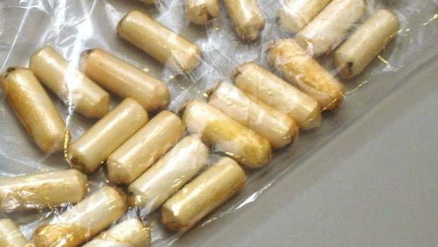 """Ushuaia: Detienen a una """"mula"""" con 50 cápsulas de cocaína"""