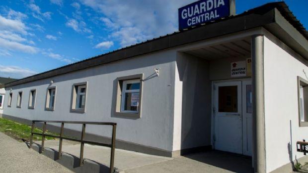 Un policía de Río Grande ingreso al hospital con un disparo en la cabeza