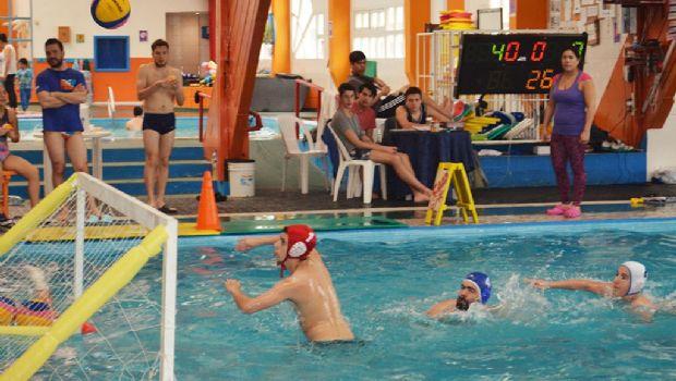 """Anuncian realización del 2º torneo de Waterpolo """"Fin del mundo"""""""
