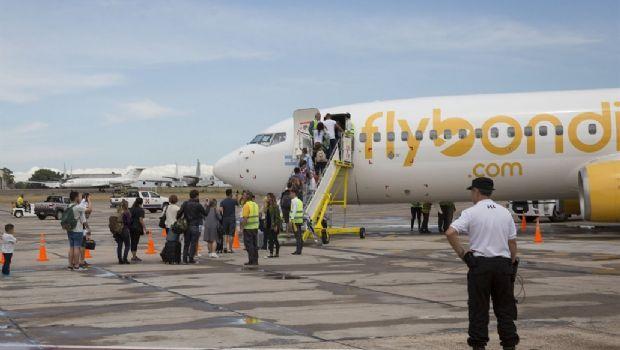 Flybondi reprogramará 72 vuelos por inconvenientes en El Palomar