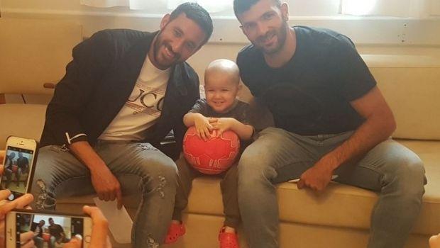 Jugadores de Independiente visitaron a nene fueguino con leucemia