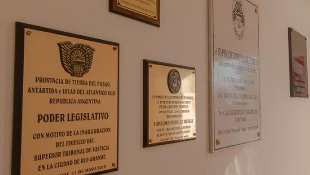 El Parlamento participó de la inauguración del edificio del Superior Tribunal