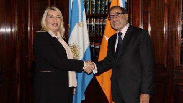 Bertone y Argüello delinean estrategias de trabajo en defensa de soberanía de Malvinas